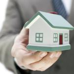 Il pagamento all'agenzia immobiliare dipende dalla visura catastale